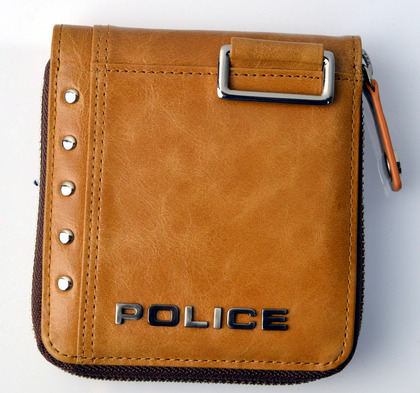police_wallet_avoid2_pa-58601_25_01.jpg