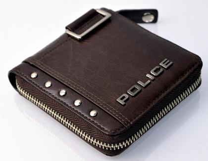police_wallet_avoid2_pa-58601_29_02.jpg