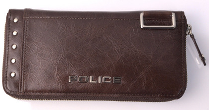 police_wallet_avoid2_pa-58602_29_01.jpg