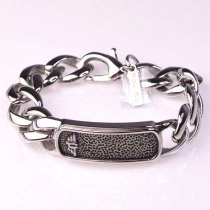police_bracelet_anvil_00
