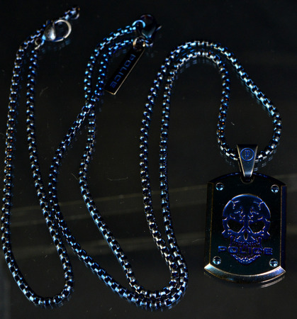 police_necklace_giaxf_blue_05