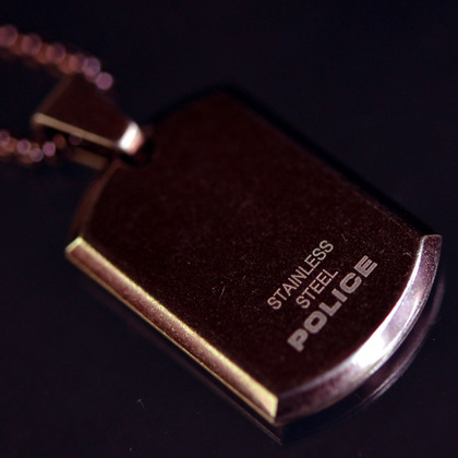 police_necklace_giaxf_gold_02