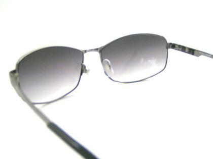 POLICEサングラス SPL743J-568N(2018年モデル)police-sunglasses-spl743j-568n-5.JPG
