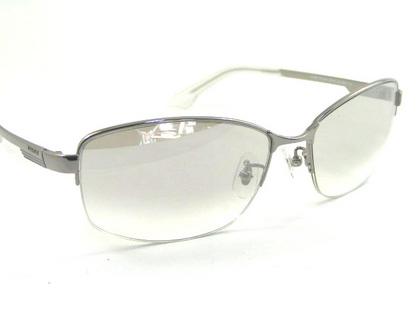 POLICEサングラス SPL744J-583X(2018年モデル)police-sunglasses-spl744j-583x-2.JPG