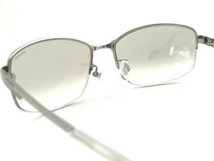 POLICEサングラス SPL744J-583X(2018年モデル)police-sunglasses-spl744j-583x-5.JPG