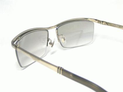 police_sunglasses_spla62j-583x-5.jpg