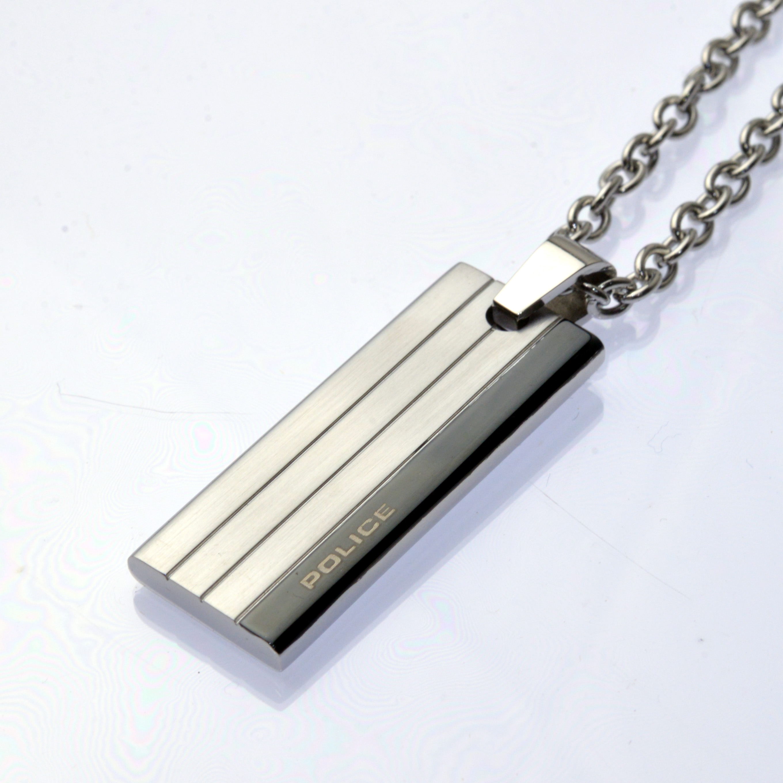 http://www.police.ne.jp/images/Police_necklace_inline-00.jpg