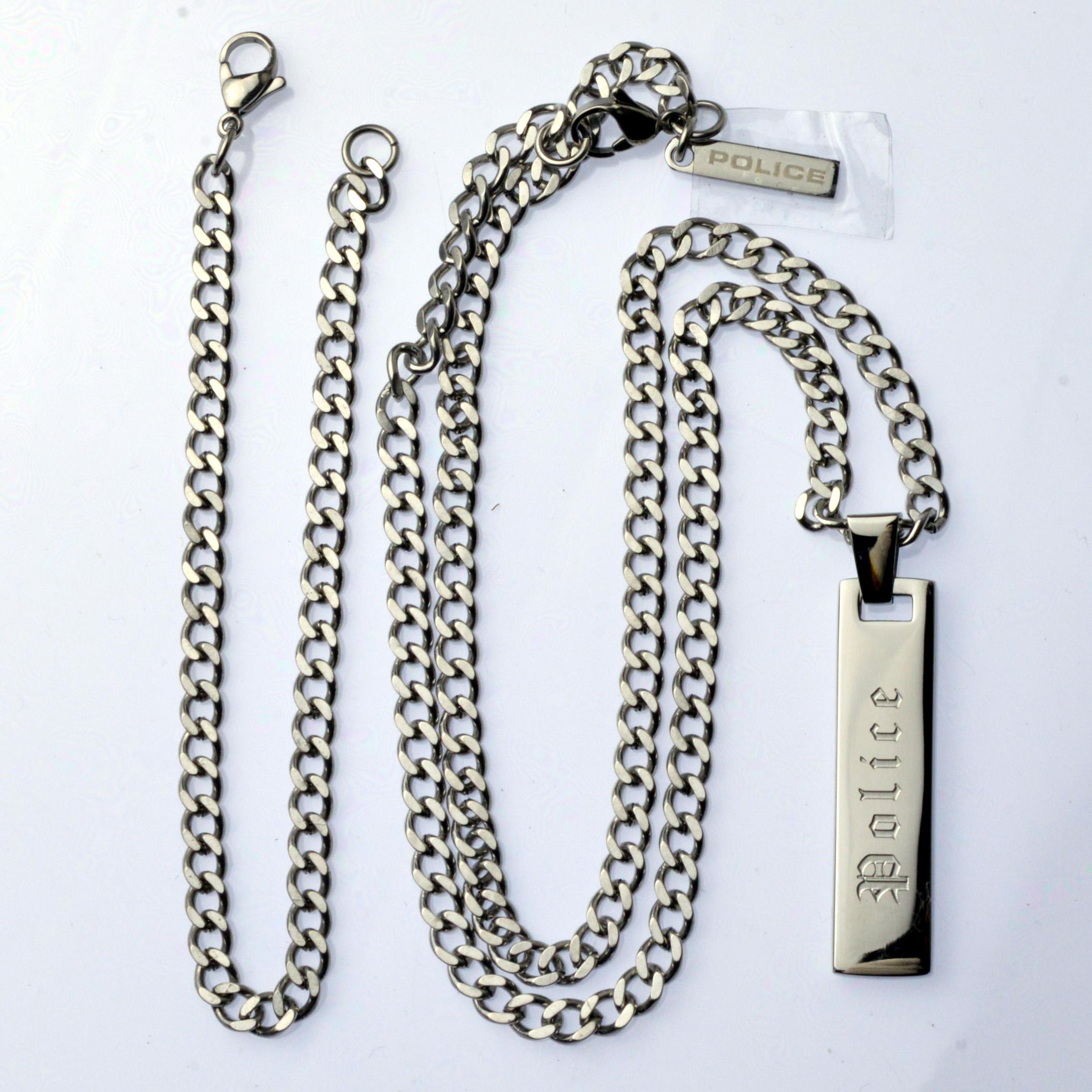 http://www.police.ne.jp/images/Police_necklace_vertical-sl-02.jpg