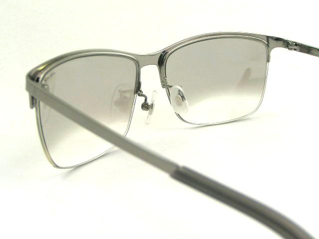 http://www.police.ne.jp/images/police-sunglasses-spl746j-s11x-5.JPG