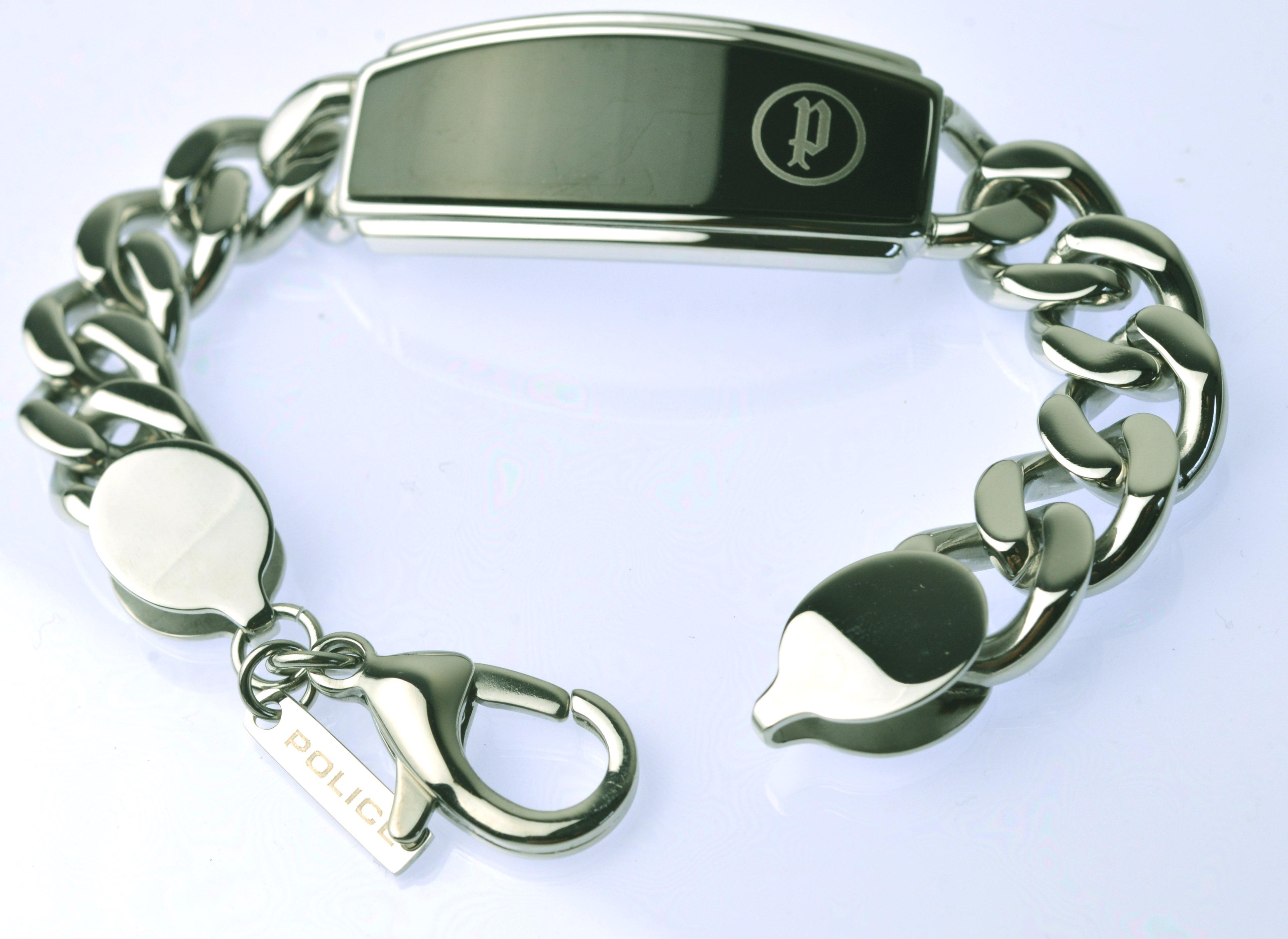 http://www.police.ne.jp/images/police__bracelet_29.jpg